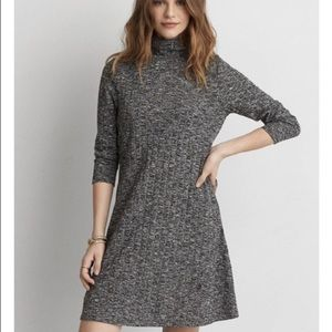 💙American Eagle sweater dress with keyhole back!